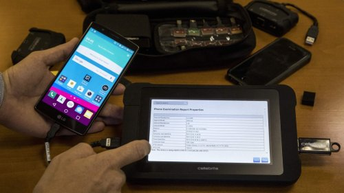 Signal CEO Hacks Cellebrite iPhone Hacking Device Used By Cops