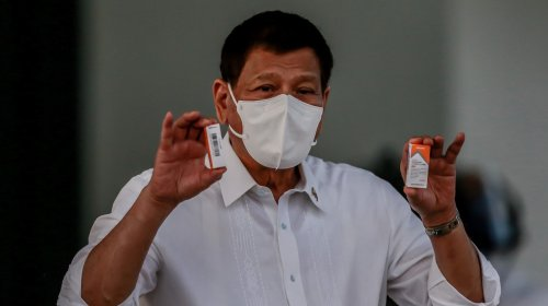 Thousands Call for Philippine President To Resign Over Pandemic Response