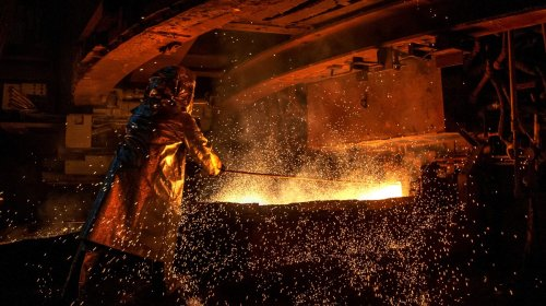 Chinese Man Jumps Into Steel Furnace After Losing Money in the Stock Market