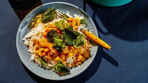 Curry Vegano: la ricetta con ceci e latte di cocco