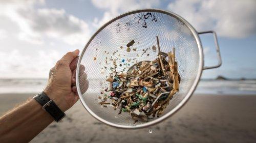 Mais essa agora, cientistas encontraram traços de plástico em tecido humano
