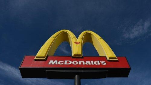 Woman Hits McDonald's Employee in Face in Vaccine Passport Dispute: Police