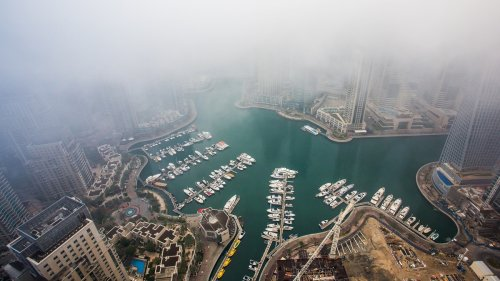 Les Émirats arabes unis font-ils vraiment tomber de la fausse pluie ?