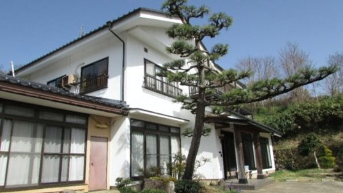 Vous avez 400 balles de côté ? Achetez une maison au Japon