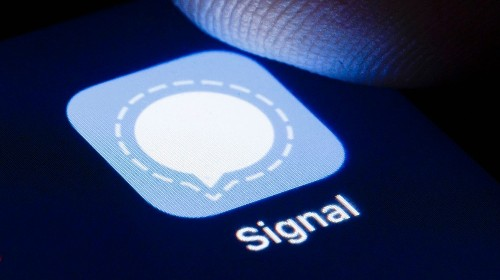 Thousands of Users Unknowingly Joined Signal Because of 12-Year-Old's App