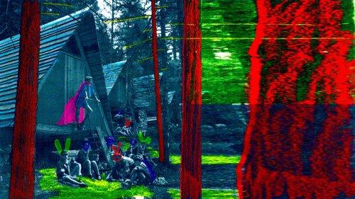 Sulle Dolomiti, un gruppo di persone sta organizzando un'utopia reale