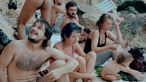 Photos of Life in a True Modern-Day Hippy Commune