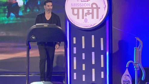 Akshay Kumar Got Trolled for Equating Treadmill Walk With Physical Labour