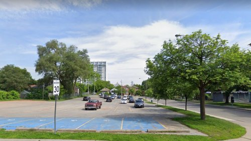 NIMBYs Want to Save This Parking Lot From Becoming Affordable Housing