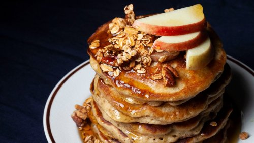 Apple Cinnamon Sour Cream Pancakes Recipe