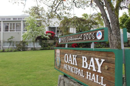 Oak Bay looks to shift car culture with speed limit pilot - Victoria News