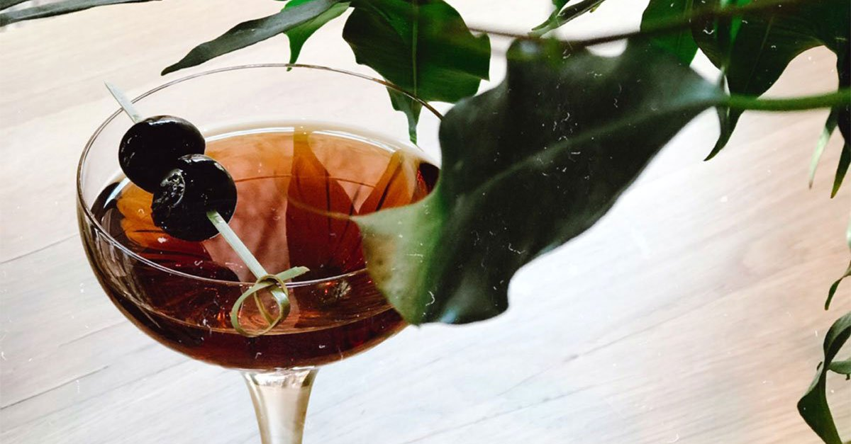 Cocktail College: How to Make the Perfect Manhattan