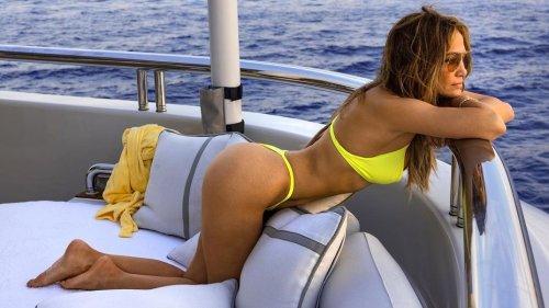 """Say """"Ciao"""" To J Lo's Itsy Bitsy Teeny Weeny Yellow Frankie's String Bikini"""