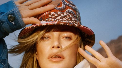 '90s Super Carolyn Murphy Has Imbued A Vintage Denim Collection With Her Signature Cali Cool