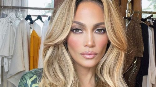 From Head To Toe, How Jennifer Lopez Looks That Insanely Good At 52