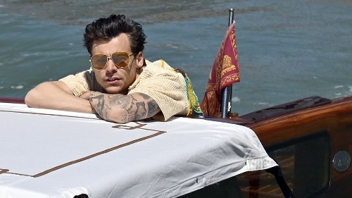 Harry Styles On A Speedboat Really Is The Most Diverting Distraction