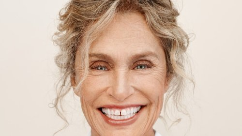 Lauren Hutton on How She Takes Care of Her Skin at 77