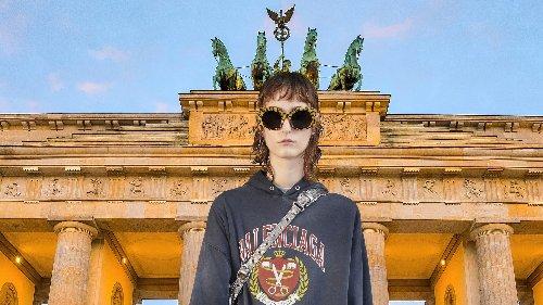 Balenciaga meets Brandenburger Tor und Frankfurter Römer: Alles zur neuen Kollektion