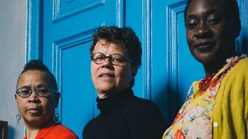 Die Initiative Adefra zeigt Schwarzen Frauen* in Deutschland, was Mut bedeutet