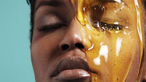 Medizinischer Honig für makellose Haut? Eine Beauty-Expertin verrät ihre DIY-Tipps