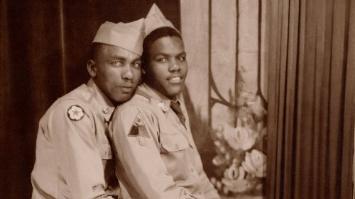 """Einzigartig: Der Bildband """"LOVING"""" zeigt Fotos gleichgeschlechtlicher Liebe zwischen 1850 und 1950, die erst jetzt ans Tageslicht kamen"""