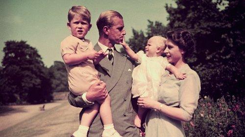 17 fotografías que recuerdan que la del príncipe Felipe y la reina Isabel II fue una historia de amor real