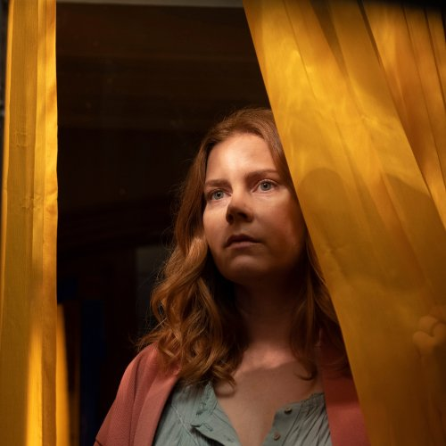 """""""La Femme à la fenêtre"""" : tout ce qu'il faut savoir sur le thriller Netflix avec Amy Adams"""
