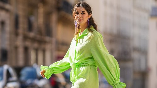 I pantaloni di lino in 5 outfit chic dell'estate 2021