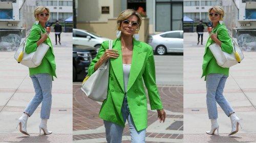 Heidi Klum conferma il trend del blazer fluo per la primavera