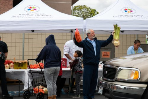 Food Banks, Nonprofits Scramble to Address Overwhelming Food Need