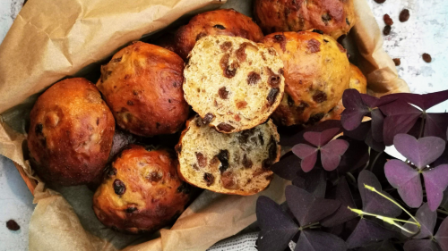 Krentenbollen – super weiche niederländische Rosinenbrötchen