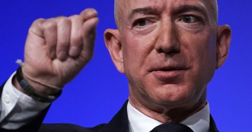 Amazon started a Twitter war because Jeff Bezos was pissed