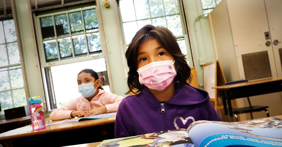 3 rules for when schools should keep masks