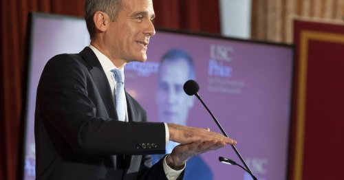 Mayor Garcetti Says LA 'On the Verge' of Return to Indoor Dining This Month