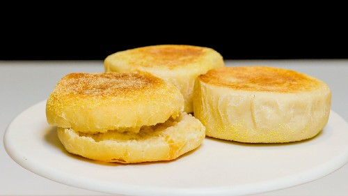 An Expert Chef's Easy Recipe For English Muffins