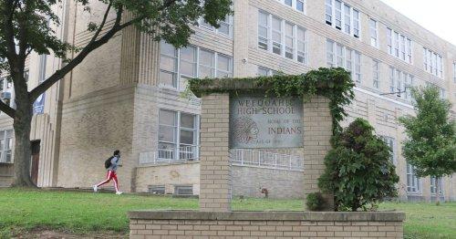 Newark seniors will have to apply to FAFSA starting next year