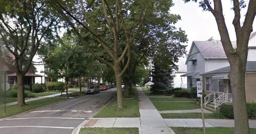 Plane wheel lands in yard of Jefferson Park home: police