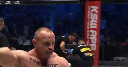 Video: Mariusz Pudzianowski starches 'Bombardier' inside of 20 seconds at KSW 64