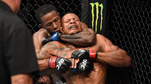 Highlights! 'Rude Boy' Stops Oliveira With Rare One-Arm Choke
