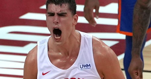 Luka Garza doesn't have the ideal speed for the modern NBA, but he has plenty of other tricks in his bag