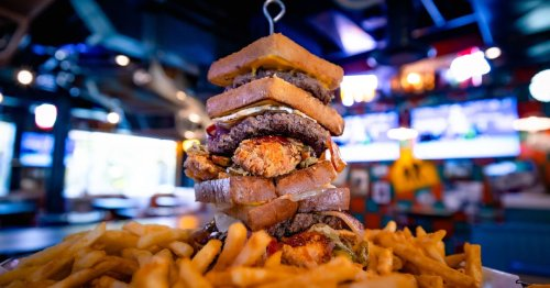 The Newest Las Vegas Food Challenge Pits Diners Against a Massive Burger to Eat in 60 Minutes