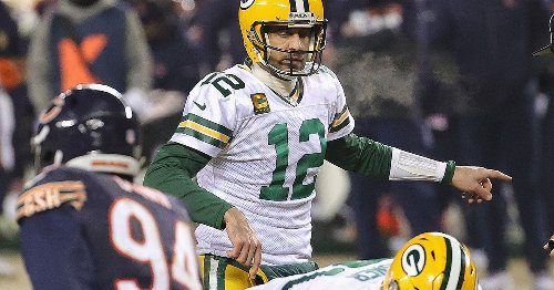 Packers' Aaron Rodgers should get away — from the Bears — while the gettin' is good