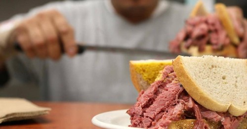 """A Côte St-Luc Deli Targets the """"Exorbitant and Abusive"""" Fees of Delivery Apps in a Newly-Filed Class Action"""