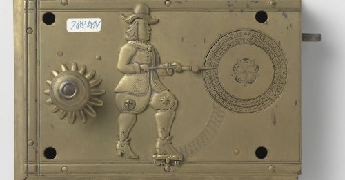 Prepare to be amazed by this 340-year-old smart lock