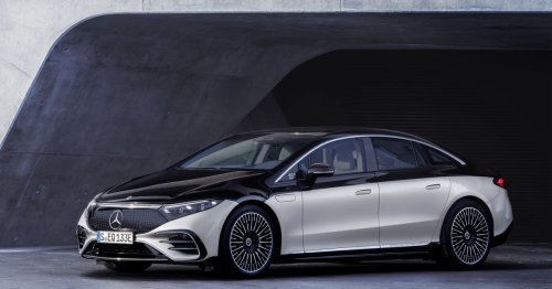 Mercedes-Benz finally allows a full look at the 2022 EQS luxury electric sedan
