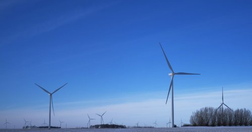 Wind turbines can handle the cold just fine. Just look at Iowa.
