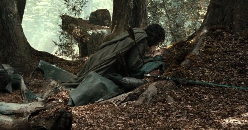 Boromir's tender death scene highlights LotR's soft masculinity