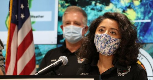 Harris County Judge Recommends All Houstonians, Vaccinated or Not, Wear Masks Indoors