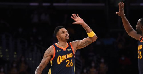 Warriors lose Kent Bazemore to the Lakers