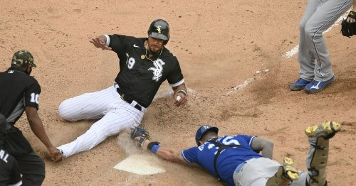 White Sox' Jose Abreu will miss series against the Twins